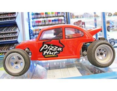Beetle de Kyosho avec sa décoration de Pizza Hut