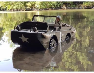 Jeep GPA amphibie PG4R par Christophe